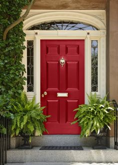 ENTRYWAY DOOR COLOR ACCENTS FRAMEWORK ~~ Bright sunshine yellow livens up neutral house exterior color. Smart that they picked it up again in u2026 & ENTRYWAY:: DOOR COLOR ACCENTS FRAMEWORK ~~ Bright sunshine ... pezcame.com