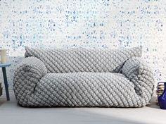 Comfy yet tailored couch. The Nuvola collection designed by Paola Navone and made by Italian company Gervasoni