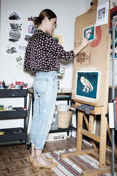 High waisted jeans and painting