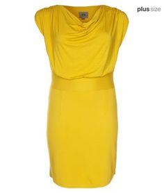 Une jolie robe grande taille, signée #Veto disponible jusqu'au 54/56 #plussize #psfashion #grandetaille #ronde #jaune