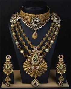 Beautiful And Breathtaking Antique Jewellery Designs - Jewellery New Jewellery Design, Antique Jewellery Designs, Antique Jewelry, Vintage Jewelry, Gold Jewelry, Designer Jewellery, Jewellery Shops, Bridal Jewelry, Jewellery Box