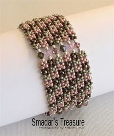 A blog about handmade beaded jewelry, beadweaving and beading tutorials and patterns
