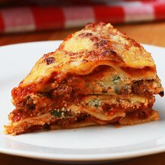 This easy Instant-Pot Lasagna is a great dish to whip up for a quick weeknight dinner. Made with all of the classic flavors–garlic, marinara, ricotta, Instant Pot Pressure Cooker, Pressure Cooker Recipes, Pressure Cooking, Slow Cooker, Instant Pot Lasagna Recipe, Instant Pot Dinner Recipes, Pots, Quick Weeknight Dinners, Crockpot