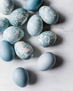 Naturally Dyed and Marbled Blue Easter Eggs - The water from cooking red cabbage will dye boiled eggs a beautiful blue/aqua color - Directions at the link...