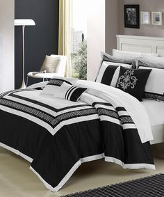 Black Venice Comforter Set