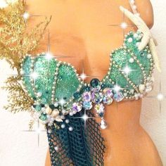 Sea Witch: ~ Gold & Green Mermaid Fantasy Rave Bra, by TheLoveShackk. Mermaid Bra, Mermaid Outfit, Halloween Fun, Halloween Costumes, Halloween Mermaid, Mermaid Parade, Rave Outfits, Costume Design, Festival Fashion