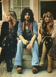Fleetwood Mac. MY ALL TIME FAVORITE BAND. Lindsey Buckingham is a babe, let's all be honest. And Stevie. Never forget Stevie.
