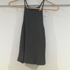 Brandy Melville crop top Super cute brandy tank/crop top. Fitted and in great condition. Brandy Melville Tops Crop Tops