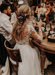 V Neck Wedding Dress, Top Wedding Dresses, Bridal Dresses, Bridal Gown, Wedding Dress Colors, Western Wedding Dresses, Wedding Gowns With Sleeves, Backless Wedding, Bohemian Wedding Dresses