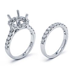Simple Round Halo Wedding Set