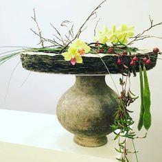 Daniel Santamaria Floral Artisan Mermaid Crown, Pillow Arrangement, Mechanical Design, Floral Design, Art Floral, Designer Pillow, Ikebana, Flower Decorations, Flower Designs