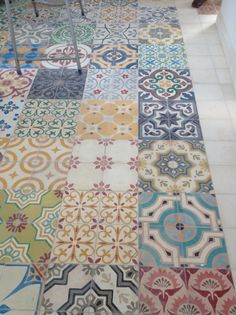 Beautiful colourful Moroccan tiles laid in a multi-pattern design on the floor could just as easily be on the wall Deco Design, Tile Design, Kitchen Tiles, Kitchen Floor, Moroccan Tiles Kitchen, Moroccan Tile Backsplash, Tile Patterns, Mixing Patterns, Sweet Home