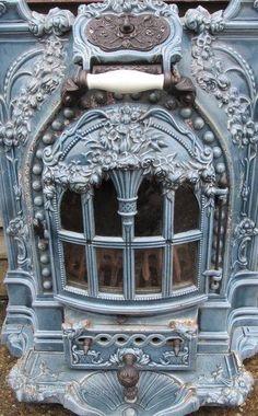 ♥ ~ ♥ Blue and White ♥ ~ ♥ Antiques Atlas - Art Nouveau French Enamel Stove Art Nouveau, Art Deco, Antique Wood Stove, How To Antique Wood, French Decor, French Country Decorating, Cottage Shabby Chic, French Cottage, Old Stove