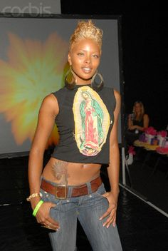 Eva Pigford I luv the whole look and her. Pixie Styles, Short Styles, Curly Hair Styles, Natural Hair Cuts, Natural Hair Styles, Divas, Look 2018, Sassy Hair, Black Girls Hairstyles