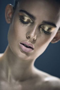 Golden Eyes shadow and nude lip. Fashion Shoot
