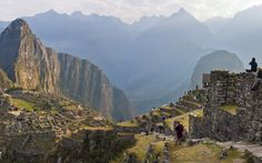 20 Things To Do As The Sun Rises: Hike Up Machu Picchu, Perú | Rough Guides - August 2013
