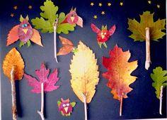 Wenn Sie die Blatt-Eulen und kleine Bäumchen aus Blättern und Ästen auf schwarzes Papier kleben, erhalten Sie einen stimmungsvollen Wald bei Nacht. Kreieren Sie Ihre selbstgebastelte Herbstdeko ganz einfach je nach Belieben. Foto: Wunderbare Enkel