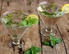 Mojito: è un cocktail cubano a base di Rum, menta e lime. E' rinfrescante e sfizioso.