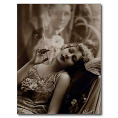(Makeup) Sexy Sultry Smoking Woman Dreaming of Her Man From Vintage Flapper Cigarette Smoker Ad Sepia B & W Advertising Photography Photo Print Images Vintage, Vintage Love, Vintage Pictures, Vintage Photographs, Vintage Ladies, Vintage Woman, Vintage Photos Women, Free Photographs, Victorian Ladies