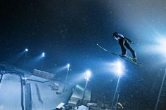 Gregor Schlierenzauer Ski Jumping, Cute Posts, Photo Credit, Skiing, Cool Pictures, Sweatshirt, Hoodie, Clothing Accessories, Pets