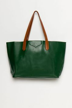 perfect leather tote in ivy.