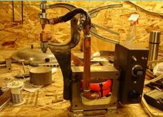Spot Welder Homemade spot welder utilizing a modified C-clamp and powered by a transformer controlled by a triac switch Diy Welder, Spot Welder, Homemade Tools, Diy Tools, Welding Tools, Woodworking Tools, Metal Workshop, Electrical Tools, Metal Fabrication