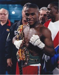 Floyd Mayweather Autographed Boxing 8X10 Photograph
