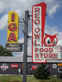 IGA and Red Owl supermarket neon signs Neon Signs For Sale, Old Neon Signs, Vintage Neon Signs, Old Signs, Advertising Signs, Vintage Advertisements, Owl Food, Neon Moon, Red Owl