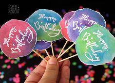 Muffin Topper   Free  Printable   Freebie   Cupcake   Kuchen   Happy Birthday   Bloggeburtstag   Muffin Dekoration   Handlettering   Watercolor   Aquarell   Gelbkariert Blog
