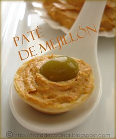 TratadeCocinaR: PATÉ DE MEJILLÓN Appetizer Dips, Appetizer Recipes, Salad Recipes, Seafood Dishes, Fish And Seafood, Food Decoration, Canapes, Appetisers, Catering