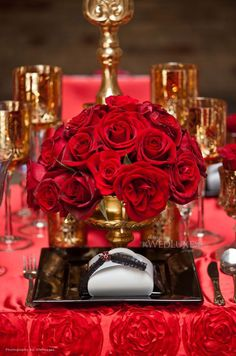 perfect table with red roses