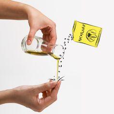 Mal warm, mal kalt - Das unbeständige Wetter belastet auch eure Hände. Mit Backpulver und Olivenöl zaubert ihr euch das ideale Feuchtigkeitspeeling. Einfach mischen, in den Händen verreiben und anschließend mit Wasser abwaschen.