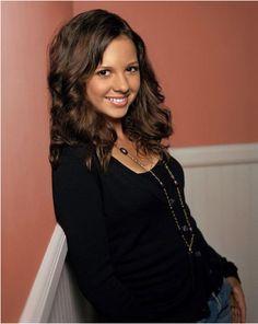 Ruth Anne Camden Etudiante  Personnage de la série 7 à la maison  11 Saisons  Interpréter par Mackenzie Rosman