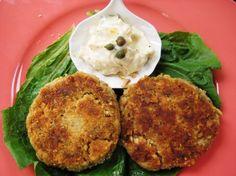 Crispy Salmon Cakes With Lemon- Caper Mayonnaise Recipe - Genius Kitchen Fish Recipes, Seafood Recipes, Cooking Recipes, Chicken Recipes, Seafood Meals, Healthy Recipes, Skinny Recipes, Meat Recipes, Kitchens