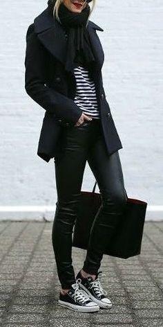 #fall #fashion / black + stripes #fashion-falloutfitideas