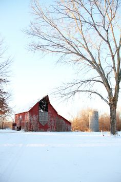 barn - looks to be in the middle of no where!