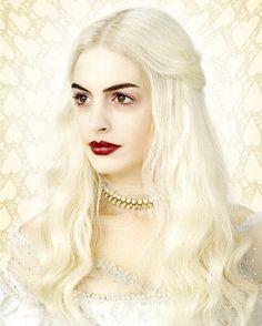 «Алиса в стране чудес» Тима Бёртона — Белая королева Энн Хэтэуэй