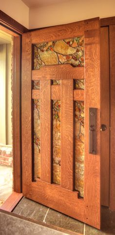 Craftsman/Arts & Crafts/Mission Style: Dunsmuir Door with Fall Leaf Art Glass by Theodore Ellison Designs and The Craftsman Door Company Cool Doors, Unique Doors, Craftsman Door, Craftsman Style, Craftsman Houses, Craftsman Interior, Mission Style Homes, Craftsman Bungalows, Arts And Crafts Movement