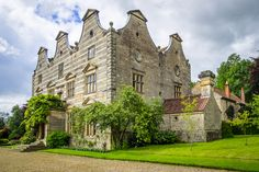 This is a grade I listed 17th-century manor house owned by the National Trust and let for the cost of upkeep and insurance - no rent.  The current tenants of Moulton Hall are John Eccles, 2nd Viscount Eccles and his wife, the Baroness Eccles of Moulton, who have been in residence for more than 40 years and raised their family here.  The hall is available for viewing by appointment only so we had a private tour conducted by the viscount.
