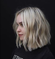 New Bob Haircuts 2019 & Bob Hairstyles 25 Bob Hair Trends for Women - Hairstyles Trends Choppy Bob Hairstyles, Pretty Hairstyles, Hairstyle Ideas, Braid Hairstyles, Cute Medium Hairstyles, Undercut Hairstyle, Wedding Hairstyles, Hair Day, New Hair