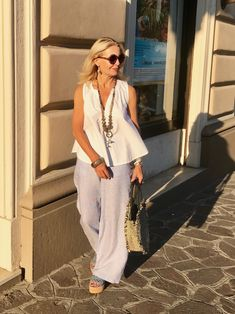 How To Get And Buy Gorgeous Stylish Clothes – Clothing Looks Over 60 Fashion, Over 50 Womens Fashion, Fur Fashion, Fashion Tips For Women, Trendy Fashion, Fashion Trends, Mode Outfits, Stylish Outfits, Mode Ab 50