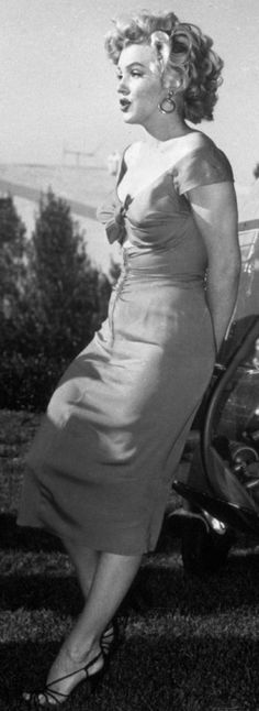 Marilyn at the Ray Anthony party, August 3rd 1952.