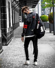 Men that are dominating the Grunge Scene - Goteo Amsterdam Street Style, Street Style Shop, Autumn Street Style, Fashion Instagram Accounts, Instagram Fashion, 90s Grunge, Soft Grunge, Mode Streetwear, Streetwear Fashion
