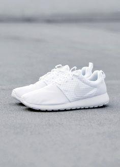 Nike Roshe Run White     Nike Roshe Run White     Nike Roshe Run White