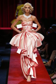 Moschino | Ready-to-Wear Spring 2017 | Look 55