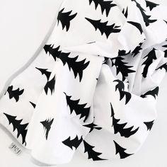 Via Macmatre | Fine Little Day Gran Blanket | Black and White