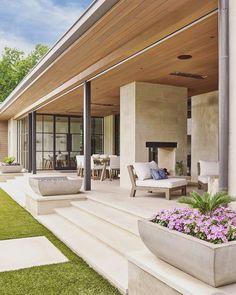 SHM Architects Radbrook Back Exterior Future House, Modern Front Yard, Design Exterior, Exterior Colors, Dream House Exterior, Modern Bungalow Exterior, Backyard Patio, Yard Landscaping, Landscaping Ideas