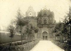 Foto muy antigua de la Iglesia de San Francisco en Cajamarca, Perú