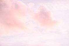 Dreamy clouds by Petra Veikkola www.petraveikkola.com #häävalokuvaaja #fineartweddings #weddingphotography