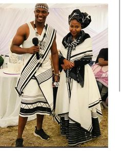 Do you want to craft SOUTH AFRICA XHOSA DRESSES from your modern fabric and don't have an idea of where to start or what to make? South African Traditional Dresses, Traditional Outfits, Traditional Styles, Traditional Wedding, African Attire For Men, African Wear Dresses, Wedding Dresses South Africa, Couple Noir, Xhosa Attire